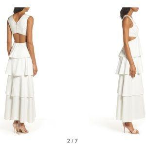 🆕 BARDOT V- Neck Sleeveless Cutout Tiered Dress